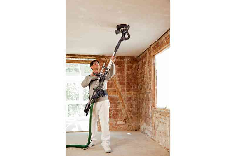 pintor lijando techo LHS 225-IP